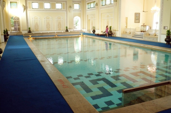 10-INDOOR POOL