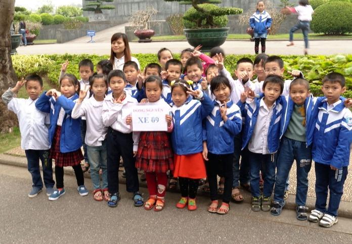 09 Schoolchilldren