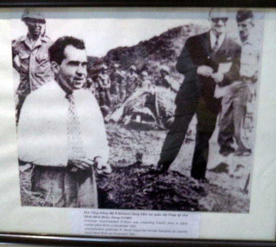 188 Nixon Visit 11-1953