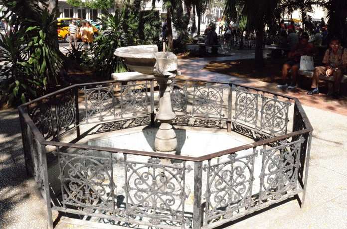 0130-broken-fountain